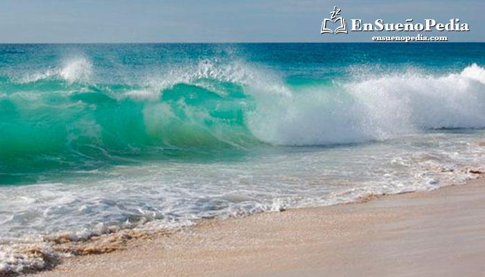 sonar-con-olas-en-la-playa