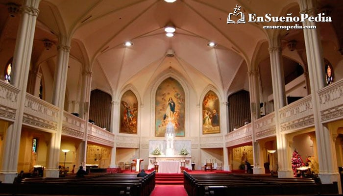 interpretar-suenos-con-iglesias