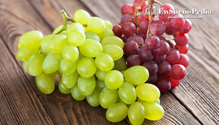 significado-suenos-con-uvas